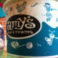 5/6/2012 tarihinde Michael R.ziyaretçi tarafından Amy's Ice Creams'de çekilen fotoğraf