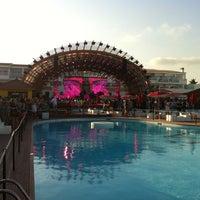 7/14/2012にSergei B.がUshuaïa Ibiza Beach Hotelで撮った写真