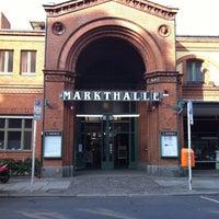Foto tirada no(a) Arminius-Markthalle por Michelle v. em 3/24/2012