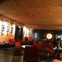 3/8/2012 tarihinde nelenziyaretçi tarafından Rock Café'de çekilen fotoğraf