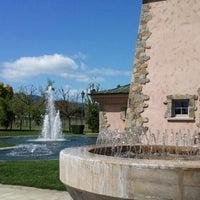 Foto tomada en Peju Province Winery por Leonard N. el 4/1/2012
