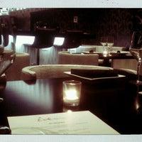 5/6/2012 tarihinde Catherine F.ziyaretçi tarafından Eden Burger Bar'de çekilen fotoğraf
