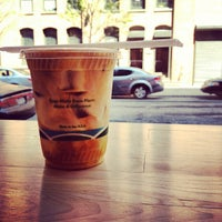 Foto scattata a Blue Bottle Coffee da Matt D. il 4/19/2012