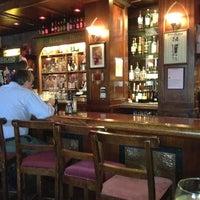 Foto tirada no(a) The Chieftain Irish Pub & Restaurant por Alex B. em 2/21/2012