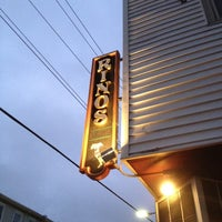 รูปภาพถ่ายที่ Rino's โดย Pete H. เมื่อ 6/14/2012