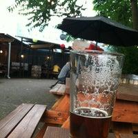 Foto scattata a Rogue Eastside Pub & Pilot Brewery da Jason L. il 6/29/2012