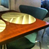Foto tomada en Oazi Restaurante por Fê A. el 2/14/2012