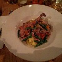 Foto tomada en Whitefriar Grill por Vladi el 8/22/2012