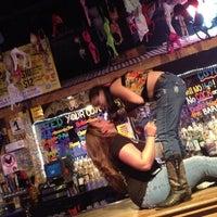 Foto scattata a Coyote Ugly Saloon da Daniel . il 6/12/2012