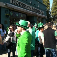 Foto scattata a Brennan's Shebeen Irish Bar & Grill da Tari T. il 3/17/2012