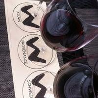รูปภาพถ่ายที่ Willi's Wine Bar โดย SprayTanHaute W. เมื่อ 4/17/2012