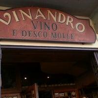 Foto tomada en Vinandro por Leonardo el 9/11/2012