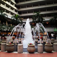 Foto diambil di Orlando International Airport (MCO) oleh Scott R. pada 5/31/2012