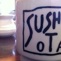 รูปภาพถ่ายที่ Sushi Ota โดย Sarah K. เมื่อ 5/28/2012