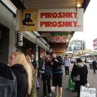 5/24/2012에 Lindsay C.님이 Piroshky Piroshky에서 찍은 사진