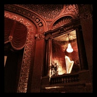 Foto tirada no(a) The Byrd Theatre por gungho guides g. em 3/11/2012
