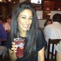Foto tirada no(a) Tyler's Restaurant & Taproom por Danielle O. em 4/13/2012