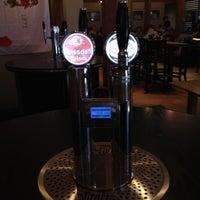 Das Foto wurde bei Tyler's Restaurant & Taproom von Michael M. am 3/23/2012 aufgenommen