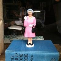 7/15/2012 tarihinde JennyJennyziyaretçi tarafından Bedford Baking Studio'de çekilen fotoğraf