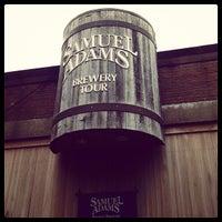 7/7/2012 tarihinde Jonathan O.ziyaretçi tarafından Samuel Adams Brewery'de çekilen fotoğraf