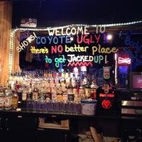 Foto scattata a Coyote Ugly Saloon da Earl O. il 5/19/2012