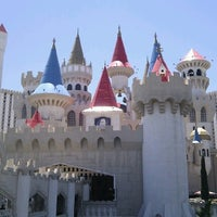 รูปภาพถ่ายที่ Excalibur Hotel & Casino โดย Sisi เมื่อ 7/17/2012