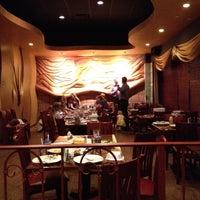 Foto scattata a Nick's Taverna da Jonathan F. il 5/29/2012