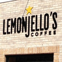 6/23/2012 tarihinde Maryziyaretçi tarafından Lemonjello's Coffee'de çekilen fotoğraf