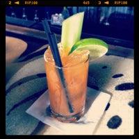 Photo prise au Double Trouble Caffeine & Cocktails par Jorge G. le2/19/2012