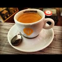 Foto scattata a Marjú Café Bistrô da Thiago T. il 6/11/2012