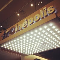 Photo prise au Cinepolis Luxury Cinemas par Emese G. le6/13/2012