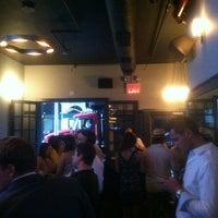 Photo prise au Manhattan Proper par Jamil K. le8/6/2012