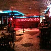 Снимок сделан в Hurricane's Bar & Grill пользователем Lanae J. 5/12/2012