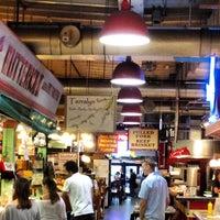 Das Foto wurde bei Reading Terminal Market von Katherine G. am 7/24/2012 aufgenommen