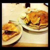 Foto tirada no(a) West Reading Diner por Daniel em 8/20/2012