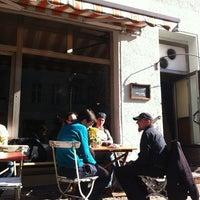 Das Foto wurde bei Lerchen und Eulen von Chris C. am 3/23/2012 aufgenommen
