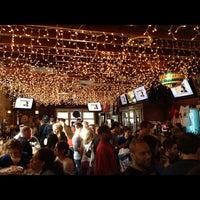 Foto tomada en Lottie's Pub por Wesley F. el 3/25/2012