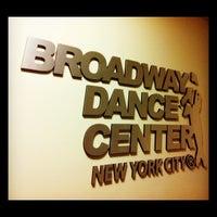 5/9/2012 tarihinde Lizzy B.ziyaretçi tarafından Broadway Dance Center'de çekilen fotoğraf