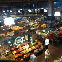 Das Foto wurde bei Whole Foods Market von Independent Belle am 5/3/2012 aufgenommen