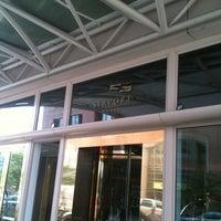 Foto scattata a Seaport Hotel & World Trade Center da Jonathan S. il 6/27/2012