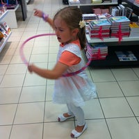 รูปภาพถ่ายที่ Sokos Wiklund โดย Julia เมื่อ 7/19/2012