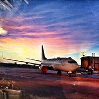 Photo prise au Victoria International Airport (YYJ) par Sean D. le5/14/2012