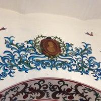 Foto diambil di Café de Tacuba oleh Laura R. pada 8/5/2012