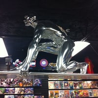 Foto scattata a Austin Books & Comics da Andre' H. il 2/26/2012