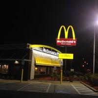 4/17/2012 tarihinde Neville E.ziyaretçi tarafından McDonald's'de çekilen fotoğraf