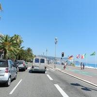 รูปภาพถ่ายที่ Promenade des Anglais โดย R เมื่อ 6/26/2012