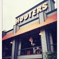 Foto tomada en Hooters por Licea R. el 5/16/2012