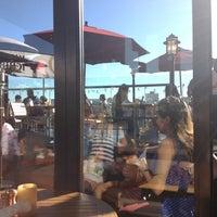 Foto tirada no(a) Sonoma Wine Garden por Keemia em 8/27/2012
