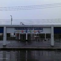 Foto tirada no(a) Terreirão do Samba por Bruno O. em 4/30/2012