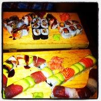 Foto tomada en Cherin Sushi por Amanda S. el 8/26/2012